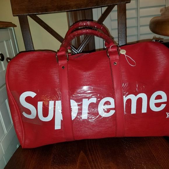 bb3f8be6ae26 Louis Vuitton Supreme Duffel Bag. M 5a73b89584b5ceedd0bce521